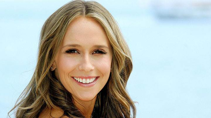 Jennifer Love Hewitt Smiling Cute Face And Wet Lips